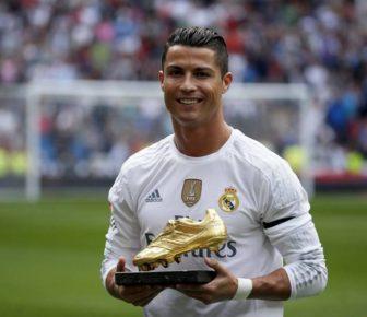 Christiano Ronaldo est joueur de l'UEFA de l'année