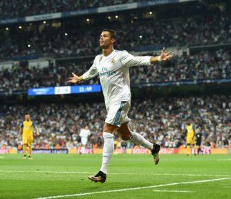 Ballon d'Or 2017: Cristiano Ronaldo remporte le prestigieux prix pour la cinquième fois et égale ainsi le record de Lionel Messi