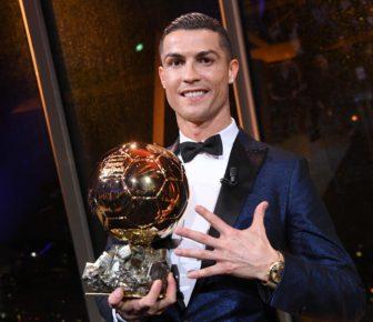 Cristiano Ronaldo : Meilleur joueur de l'histoire après son cinquième Ballon d'Or