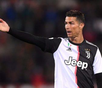 Informations sur les transferts à Manchester United: Cristiano Ronaldo semble s'interroger sur les 80 millions de £ de frais de transfert de Harry Maguire