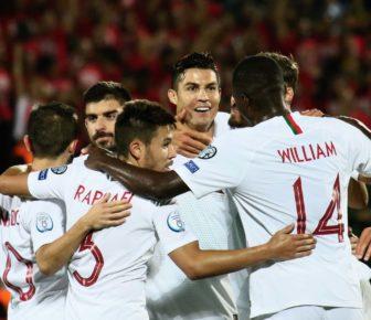 Vidéo: Cristiano Ronaldo inscrit quatre buts contre la Lituanie en qualifications pour l'Euro 2020
